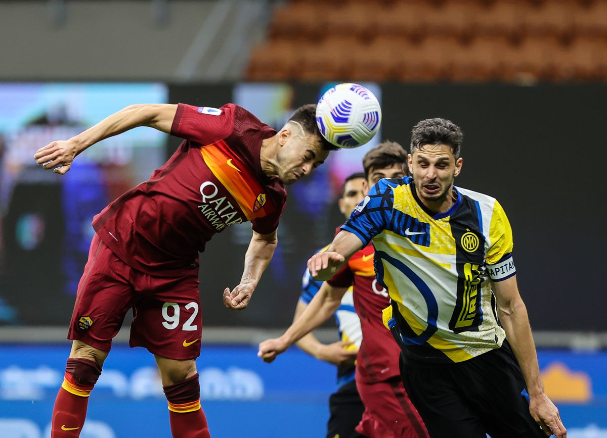 Stephan El Shaarawy of AS Roma and Andrea Ranocchia of FC...