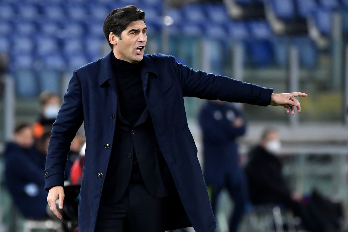 Paulo Fonseca coach of AS Roma reacts during the Serie A...