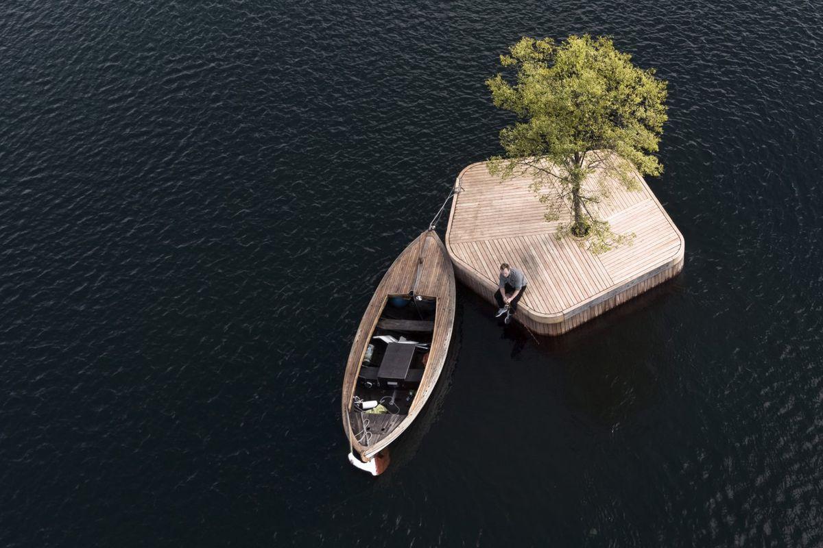 tiny artificial island in Copenhagen harbor