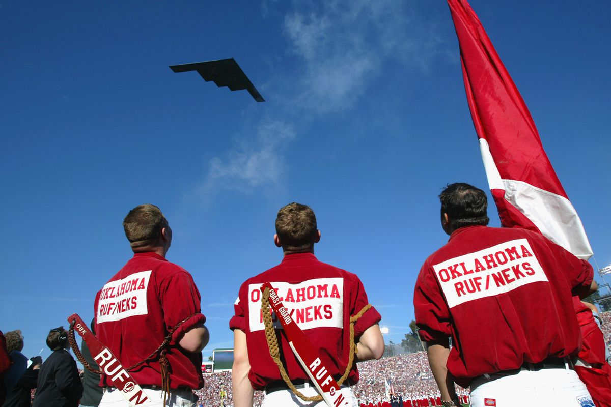 B-2 Bomber fly over at the Rose Bowl