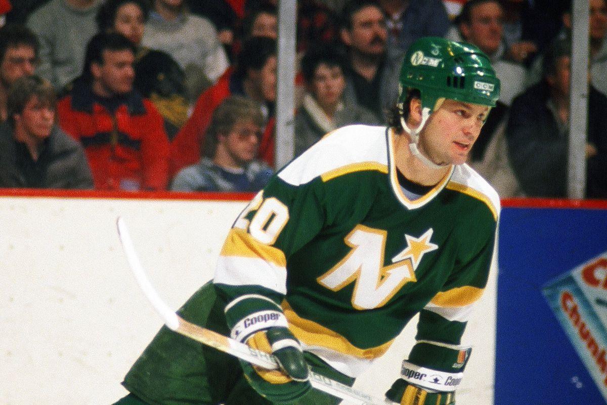 Minnesota North Stars v Boston Bruins