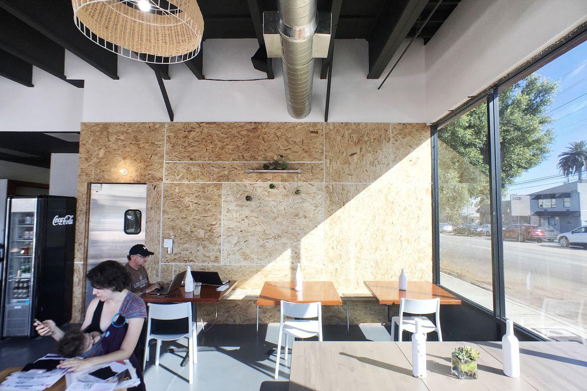 C&M Cafe, Palms