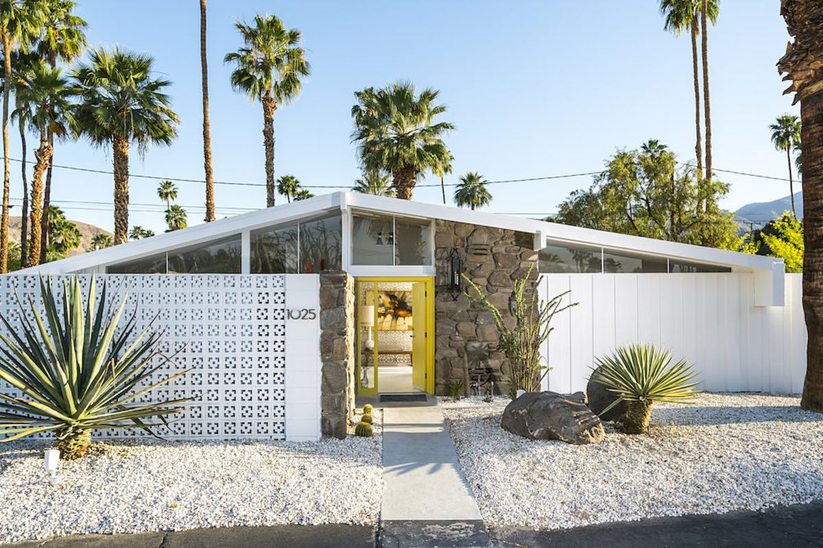 Nab A Dreamy Palmer Amp Krisel Pad In Palm Springs For 829k
