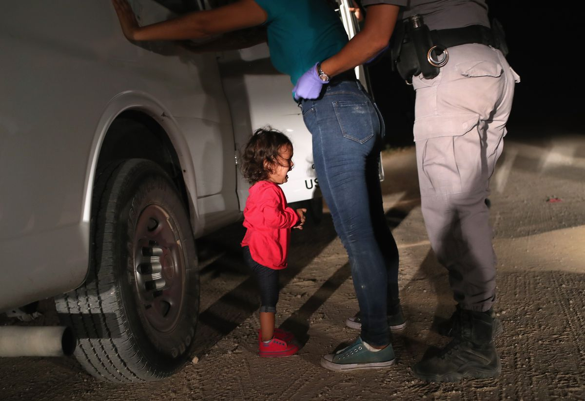 This photo of a Honduran asylum seeker  and her child has gone viral
