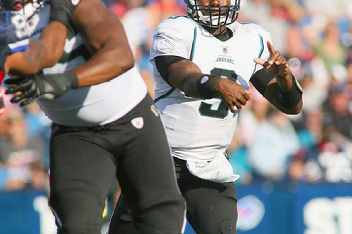 ORCHARD PARK, NY - OCTOBER 10: David Garrard #9 of the Jacksonville Jaguars passes against the Buffalo Bills   at Ralph Wilson Stadium on October 10, 2010 in Orchard Park, New York. Jacksonville won 36-26.  (Photo by Rick Stewart/Getty Images)