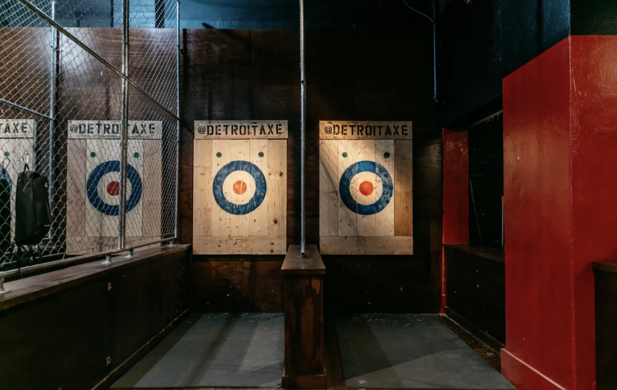 Two targets for axe throwing in a lane