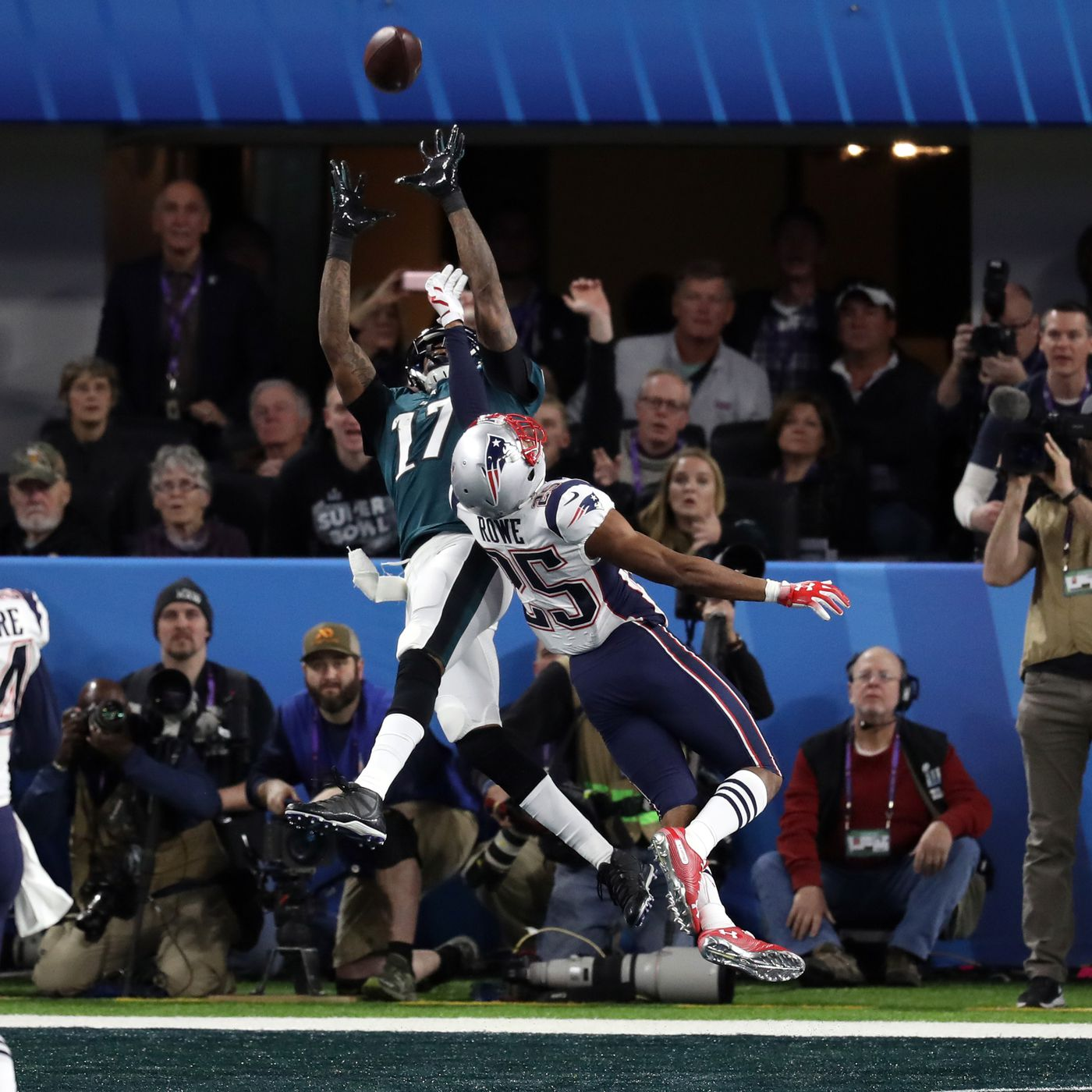 d1ef68fda Alshon Jeffery torched the Patriots in the first half of Super Bowl 52 -  SBNation.com