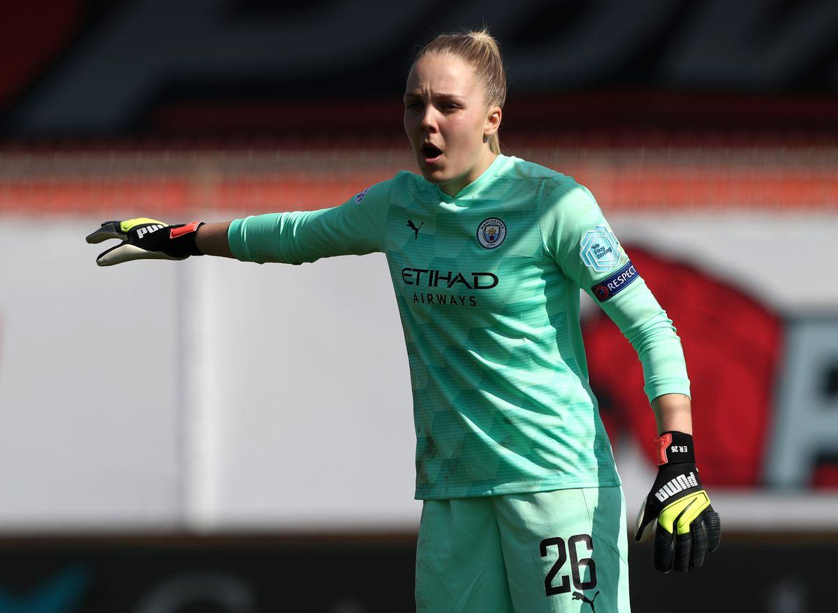 FC Barcelona v Manchester City - UEFA Women's Champions League Quarter Final: Leg One