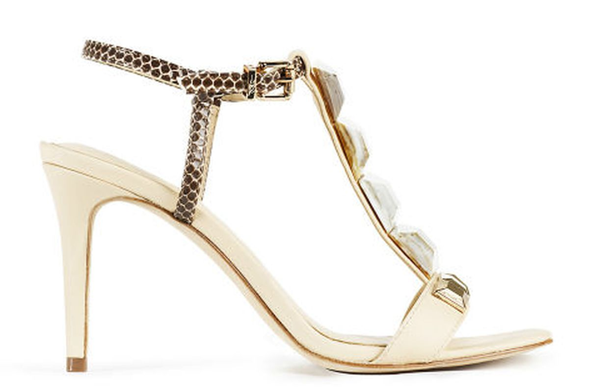 """VC Signature Nellie Gold <a href=""""http://www.vincecamuto.com/VC-Signature/SANDALS/VC-SIGNATURE-NELLIE-GOLD.html"""">heel</a>"""