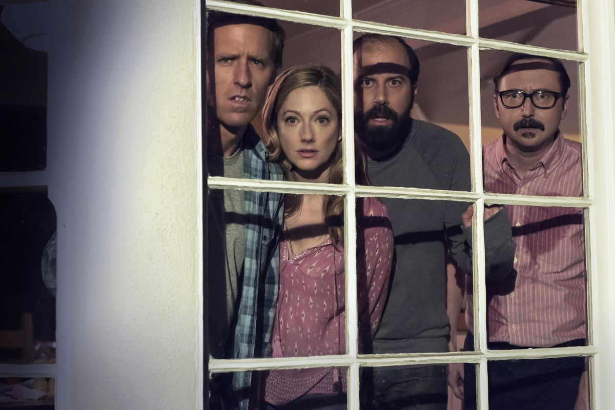 The cast of Married gazes upon better ratings in somebody else's yard.