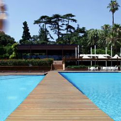 """The pool at the <a href=""""http://www.hrjuancarlos.com/"""">Hotel Rey Juan Carlos</a> in Barcelona, the honeymoon destination of Ashton Kutcher and Demi Moore."""