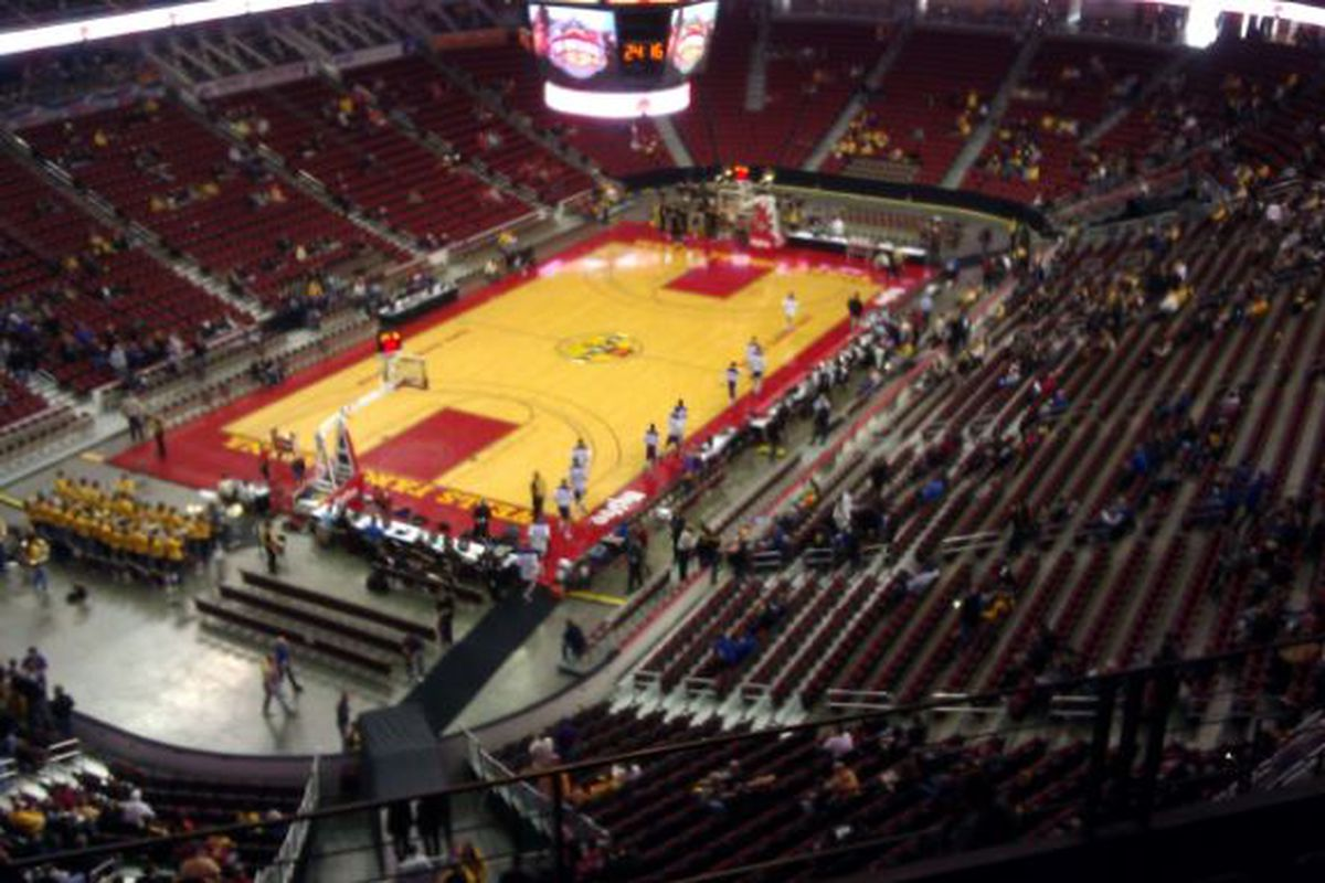 The early crowd at Wells Fargo Arena