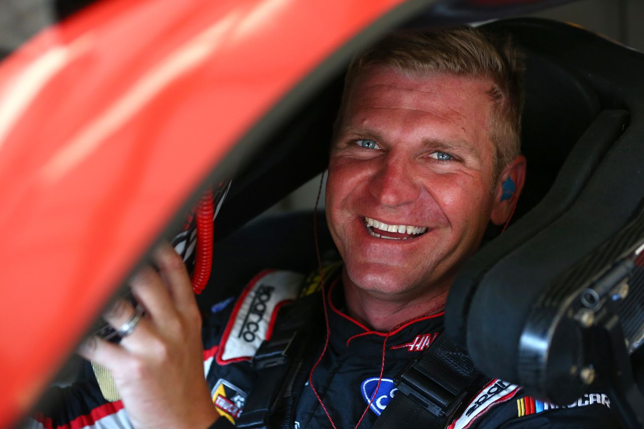 Clint Bowyer's 2nd-place finish moves him into final playoff spot