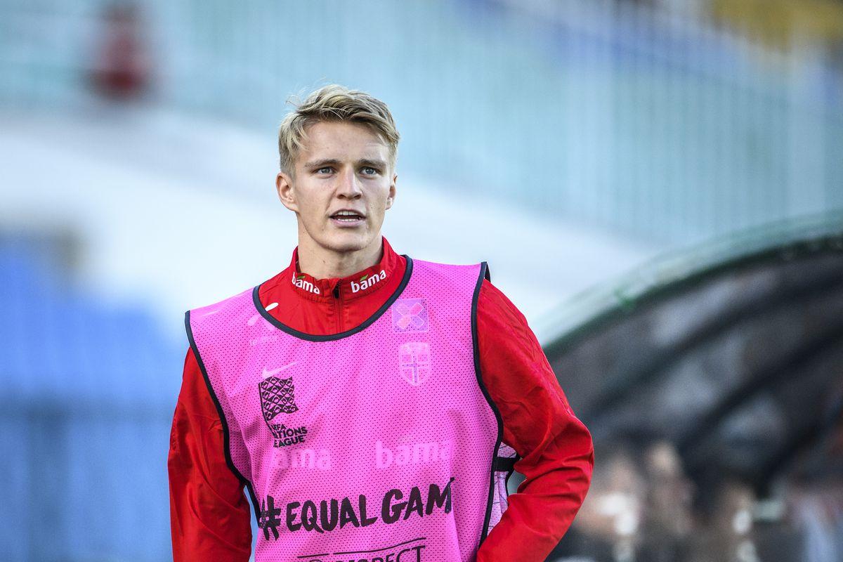 outlet store sale 315b4 da159 Martin Odegaard: Vitesse's commanding midfielder - Managing ...