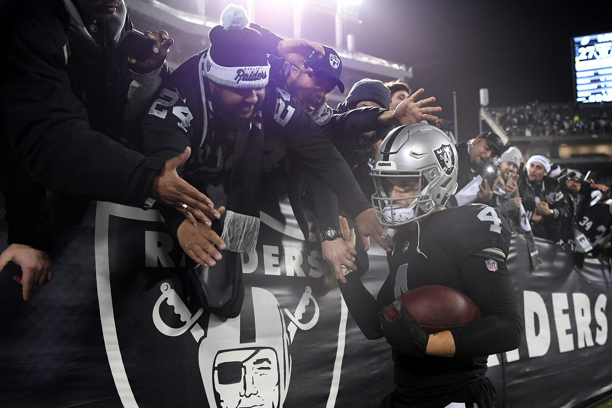 055518675 The Raiders and their fans had the perfect possible sendoff for Oakland