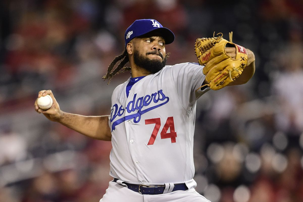 Kenley Jansen won't opt out of contract