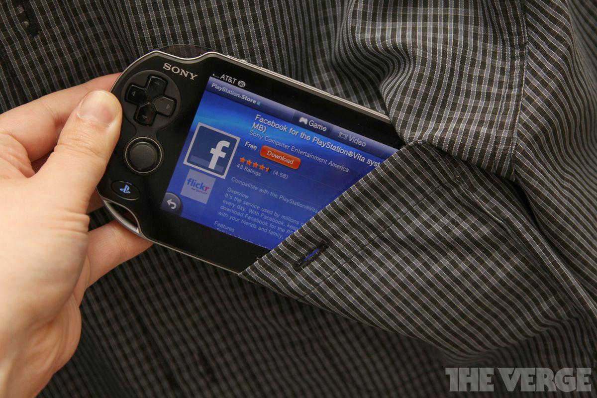 PS Vita Facebook US stock 1020