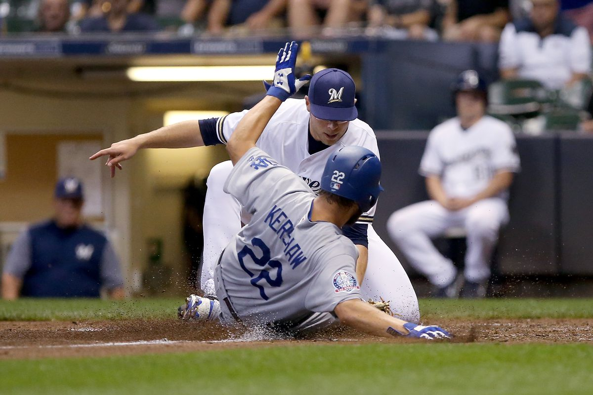 Los Angles Dodgers v Milwaukee Brewers