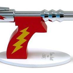 Ray Gun Desk Pen ($135) - This pen is so Flash Gordon.