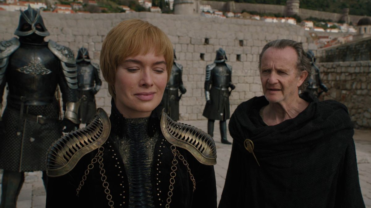 Game of Thrones S08E01 Cersei and Qyburn at King's Landing