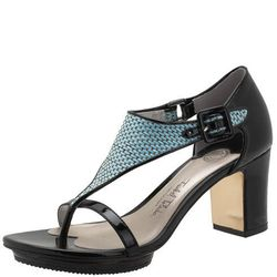"""<a href""""http://www.payless.com/store/product/detail.jsp;jsessionid=8F336207ABF8E08D5C211CDF954927DB.pss-app-02-app3?catId=cat10376&subCatId=&skuId=093568060&productId=71148&lotId=093568&category=&catdisplayName=Brands"""">Billy Bikini Sandal</a>, Was $56.99,"""