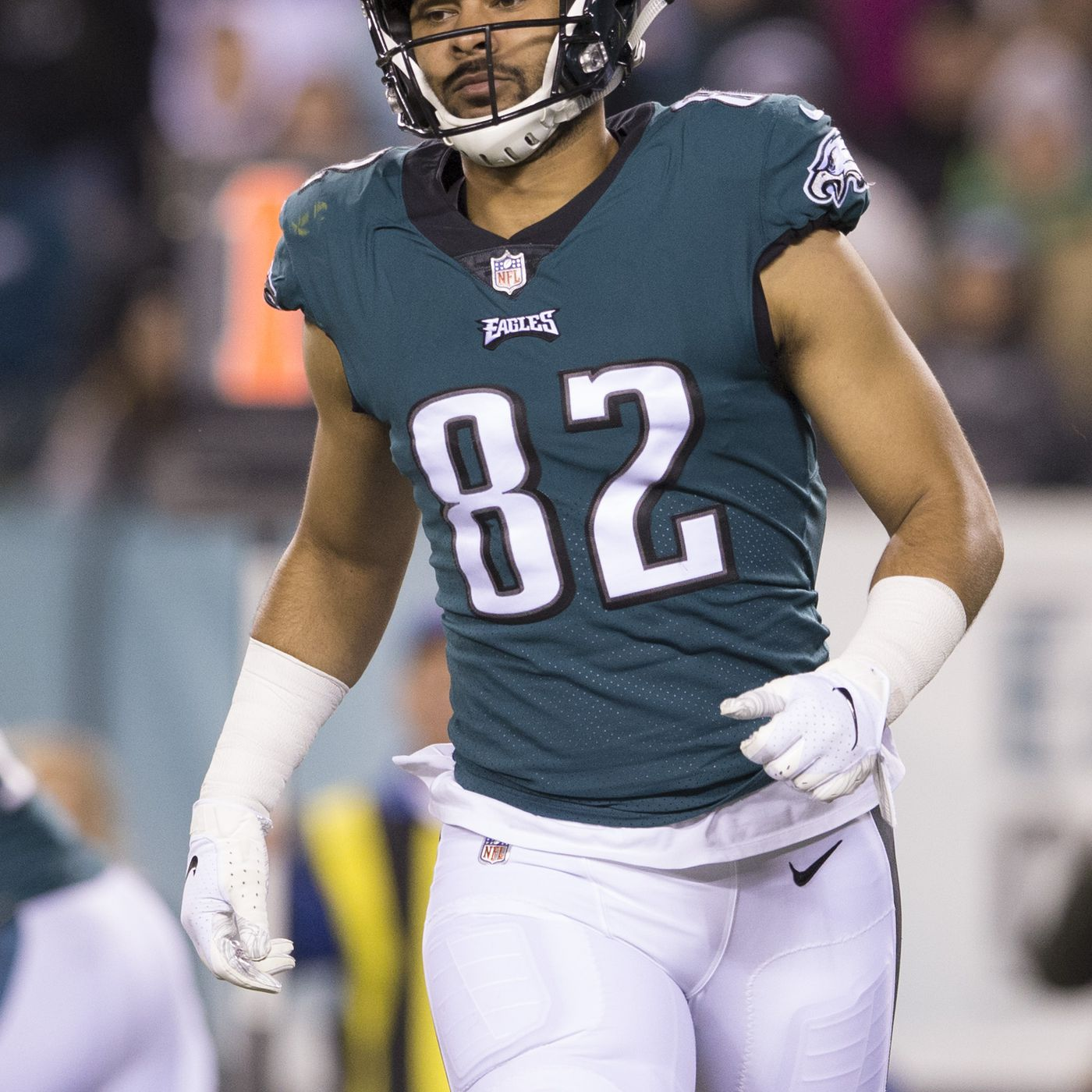 8074b0cf Richard Rodgers injury: Eagles tight end carted off during Ravens ...