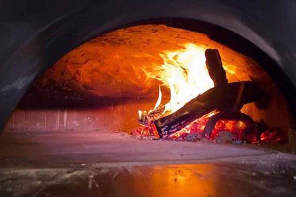 Pizaro's pizza oven in West Houston.