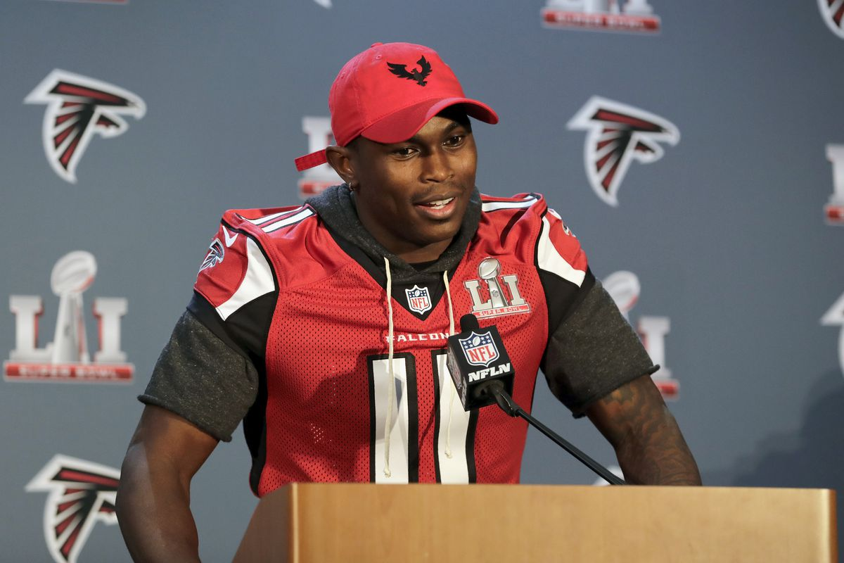 Super Bowl 2017 Patriots Doubling Efforts To Stop Julio Jones With 2 Receivers Mimicking Him In Practice Sbnation Com