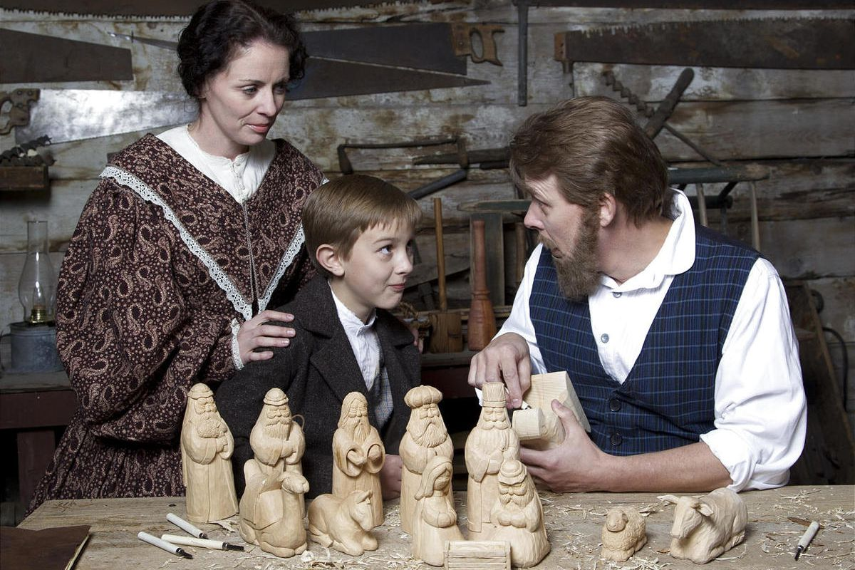 The Christmas Miracle Of Jonathan Toomey.Woodcarver Overcomes Grief In Christmas Miracle Of Jonathan