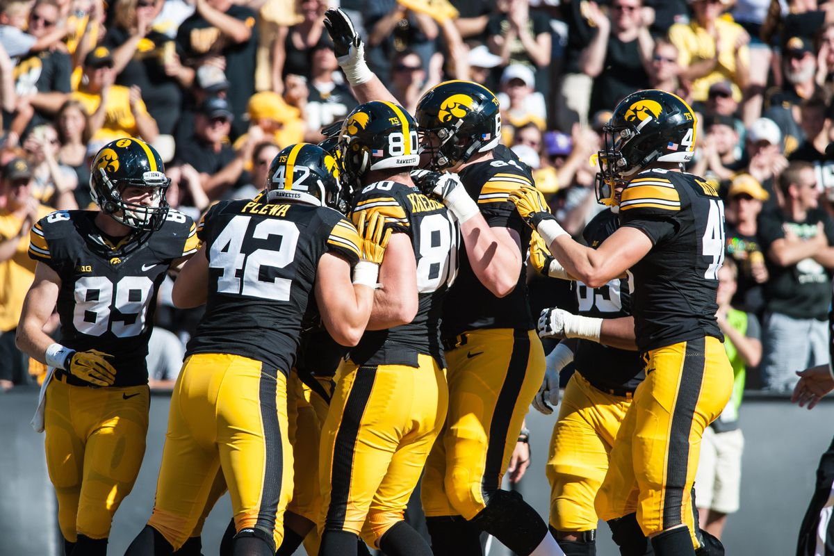 2015 illinois football opponent scouting report: iowa hawkeyes - the