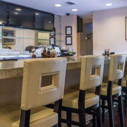 Biscayne Steak, Sea & Wine's bar