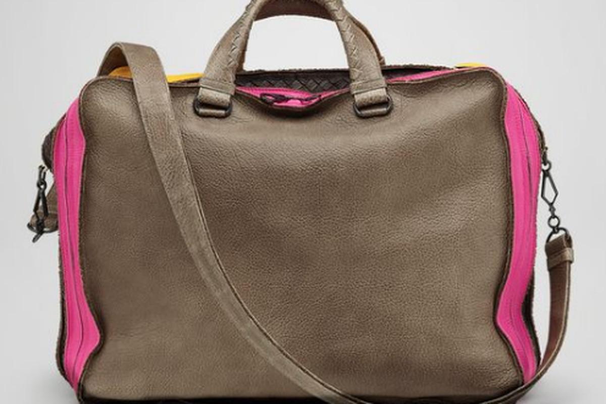 "Bottega Veneta's <a href=""http://www.bottegaveneta.com/default/shop-products/Mens/MRTW/SS12/Look22/pewter-multicolor-washed-cervo-duffel_804671815.html#!%7B%22products%22:%7B%22281675VV381%22:%7B%22size%22:%22U%22,%22color%22:%222787%22,%22category%"