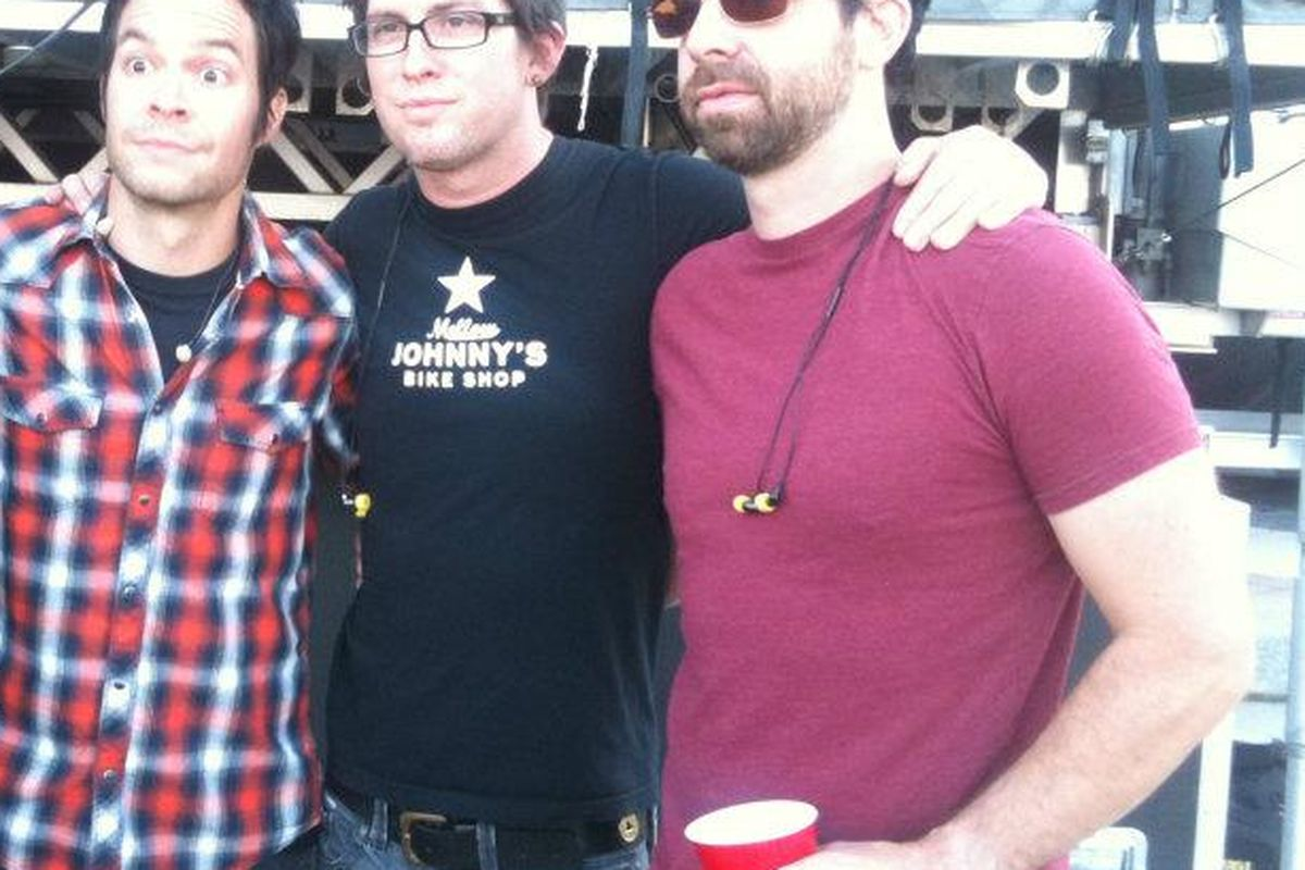Pete, the lead singer of Chevelle (L) looks just as surprised as me.