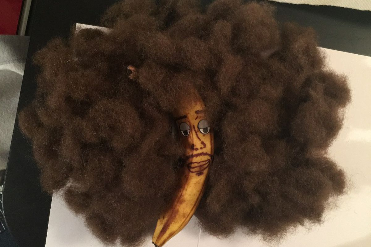 Professional banana decorator says he 39 ll earn 100 000 for Professional decorator