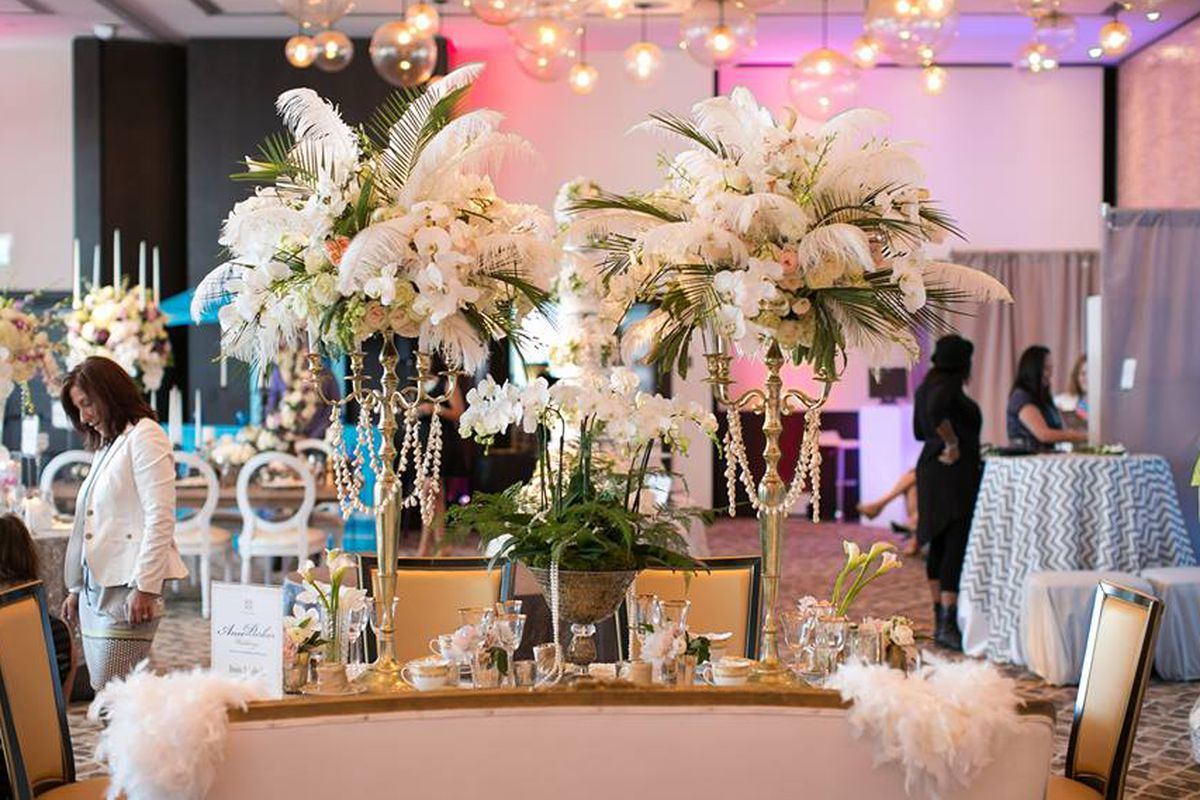 "Image via <a href=""https://www.facebook.com/photo.php?fbid=10151631656924279&amp;set=pb.45862199278.-2207520000.1373919274.&amp;type=3&amp;theater"">Wedding Salon</a>/Facebook"