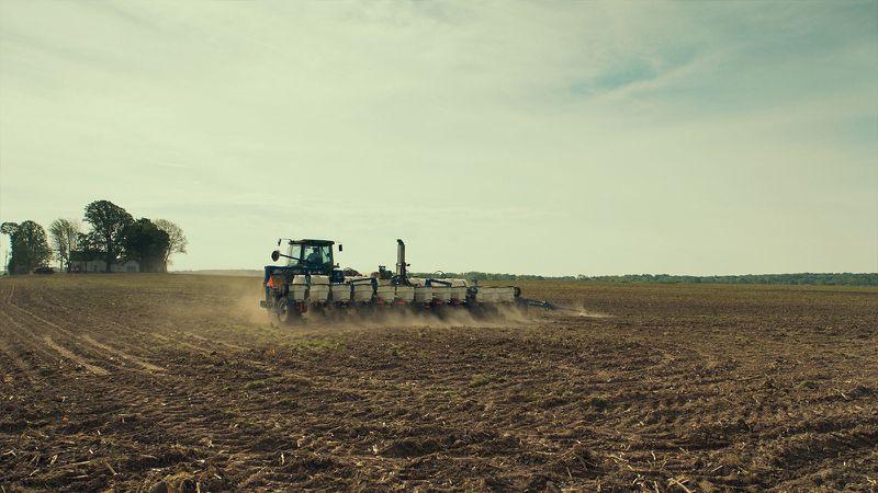 A scene of a farm from Frederick Wiseman's documentary Monrovia, Indiana