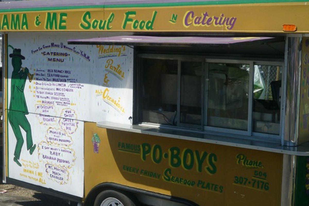 A food cart at the 2011 Super Sunday.