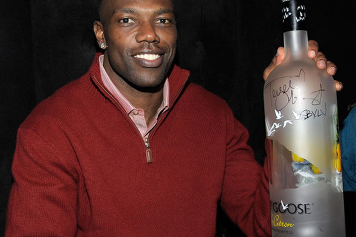 DALLAS TX - FEBRUARY 03:  NFL player Terrell Owens attends the GREY GOOSE Lounge Series at Super Bowl hosted by Terrell Owens at the GREY GOOSE Lounge on February 3 2011 in Dallas Texas.  (Photo by Charley Gallay/Getty Images for GREY GOOSE)