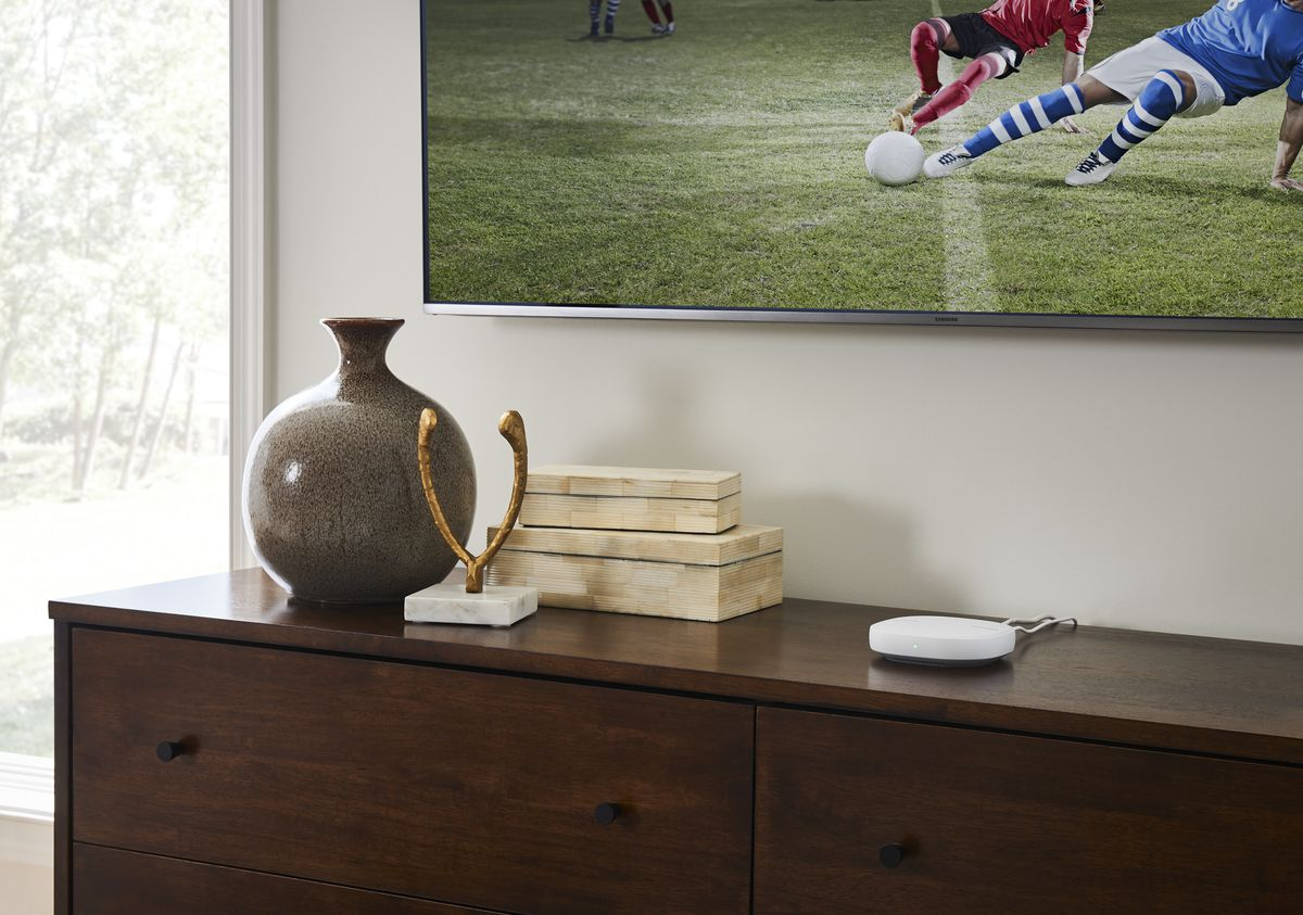 Samsung has a new SmartThings hub and router with Plume's