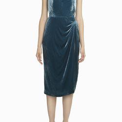 """Cushnie et Ochs Velvet Dress, <a href=""""http://owennyc.com/shop-women/women-designers/women-cushnieetochs/cushnie-et-ochs-fw14-322-11-velvet-dress-teal.html"""">$478</a>"""