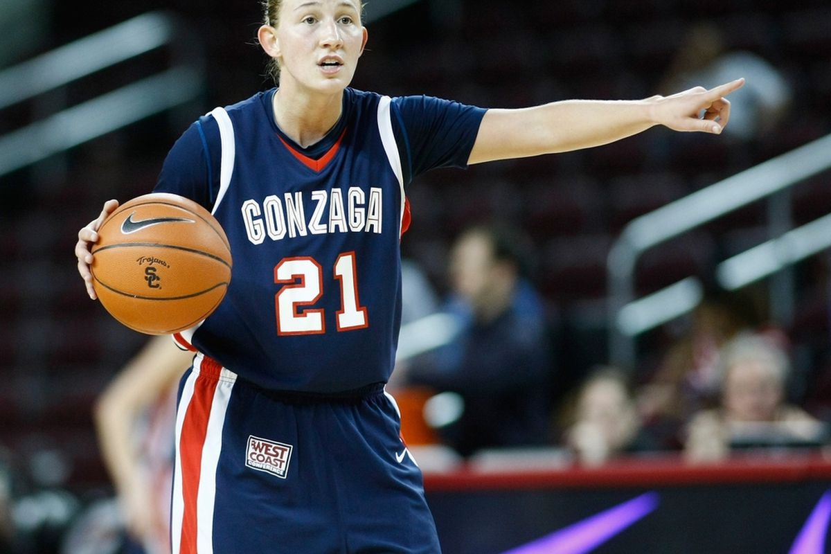 """Gonzaga Bulldogs point guard Courtney Vandersloot is considered the nation's top point guard after an outstanding tournament run. <em>(Photo by <a href=""""http://112575.photoshelter.com/"""" target=""""new"""">Craig Bennett/112575 Media</a>)</em>"""