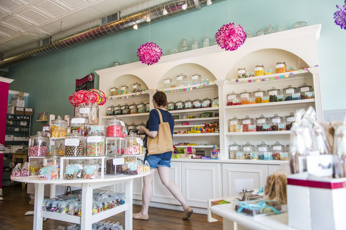 Amy's Candy Bar in 4700 block of North Damen Avenue in Ravenswood.   Tyler LaRiviere/Sun-Times