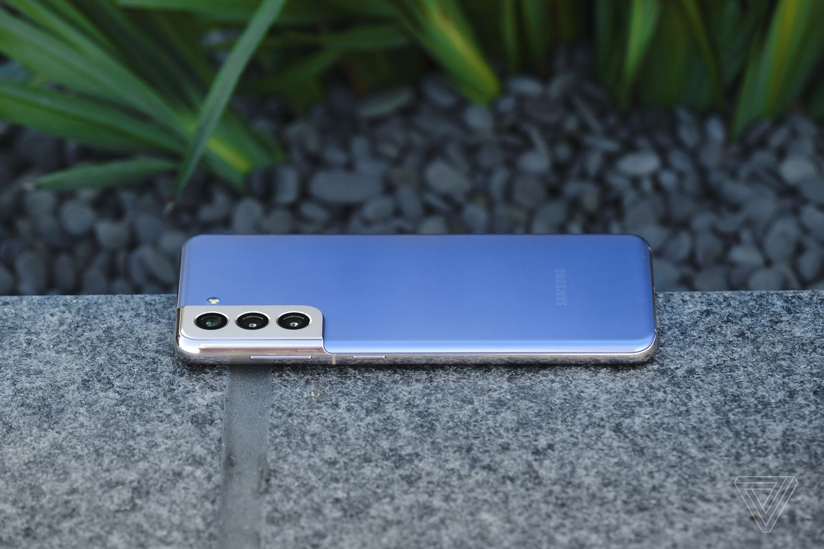 The S21's metal side rails curve into the camera bump