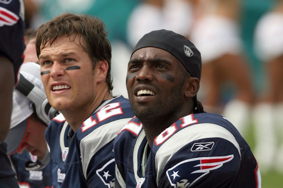 NFL: Patriots Beat Dolphins 49-28