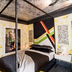 """The 'Teenage Girl's Room' was designed by Applegate Tran Interiors.  [Photo by <a href=""""http://www.patriciachangphotography.com/"""">Patricia Chang</a>]"""