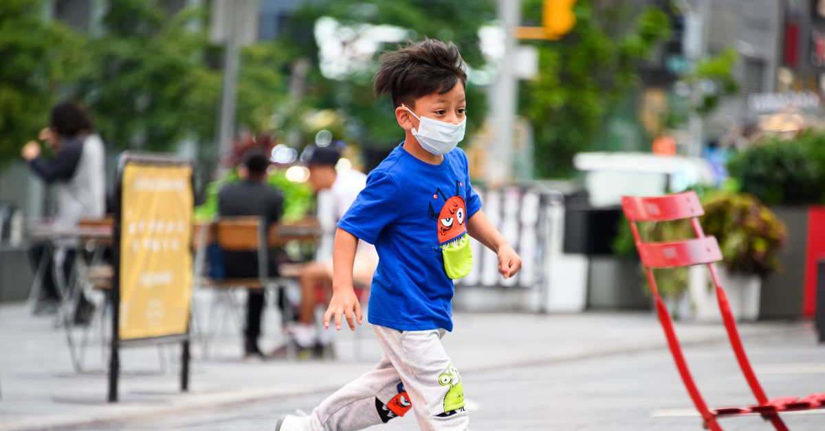 World Health Organization advises kids 12 and older should wear masks to prevent coronavirus spread thumbnail