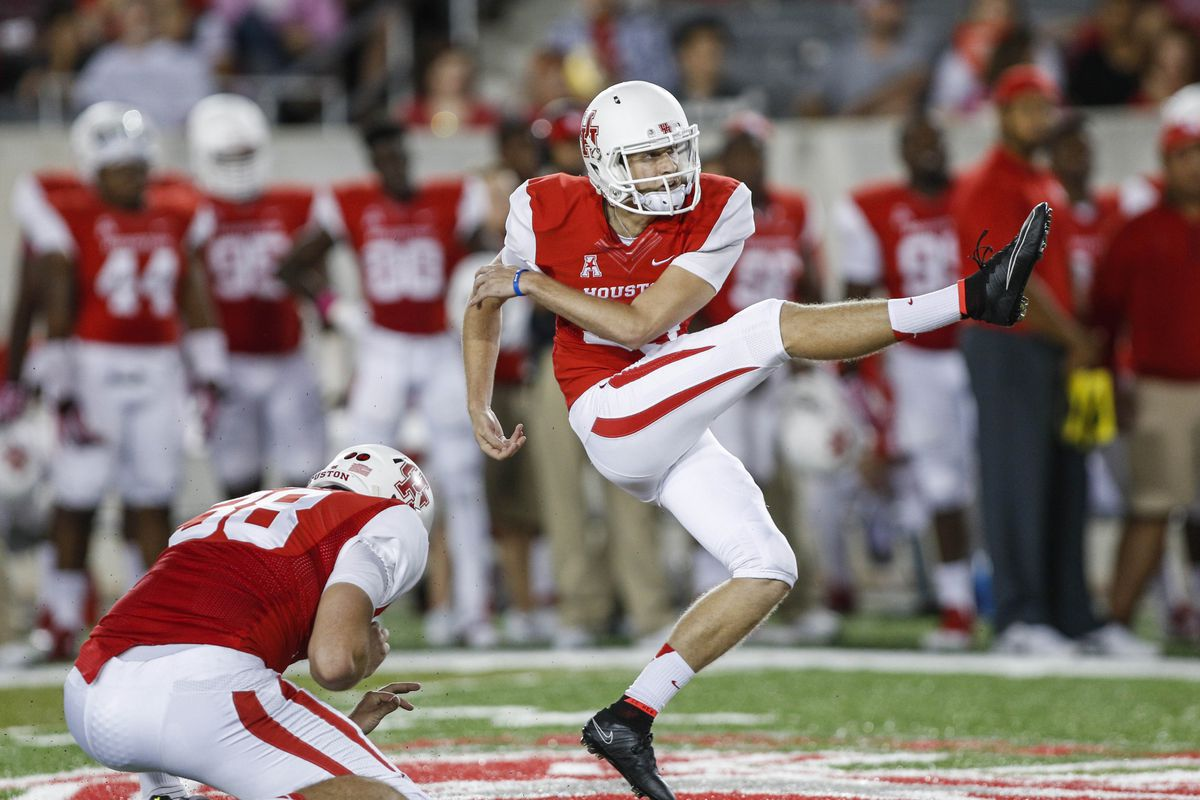 Kyle Bullard of Houston looks to bring Lou Groza glory to the Underdogs