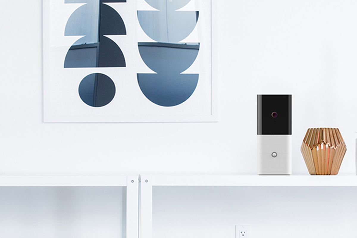 abode s iota is a security camera motion sensor and gateway all in one the verge. Black Bedroom Furniture Sets. Home Design Ideas