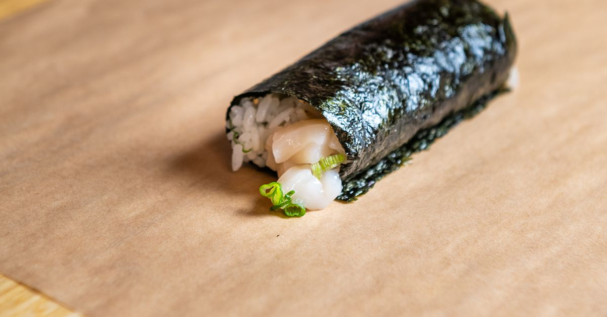 A Hand Roll Sushi Counter With an Attached Highball Bar Lands in the Heart of Old Town