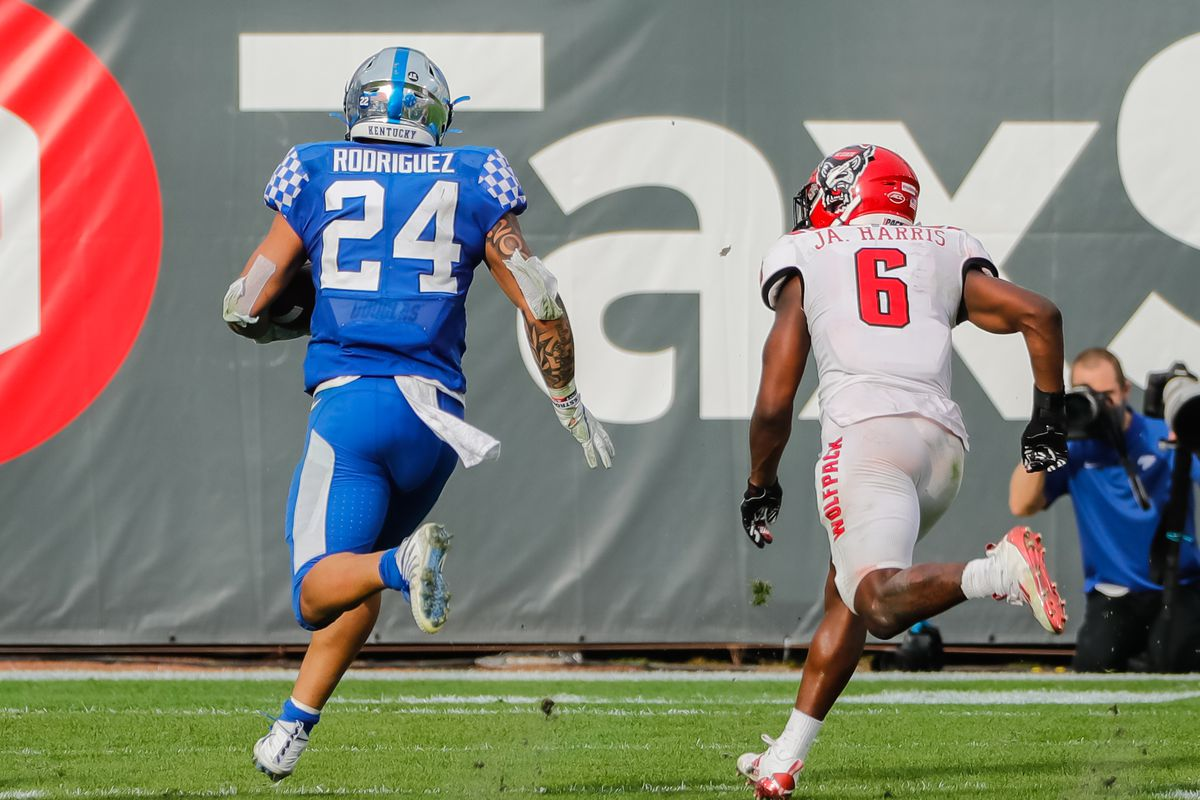 NCAA Football: Gator Bowl-North Carolina State vs Kentucky